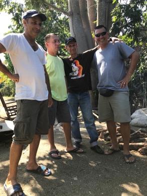 Reunião de homens (e churrasco)